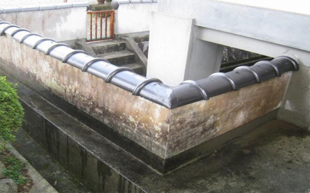 カビ除去・防カビ 漆喰塀施工例 施工前